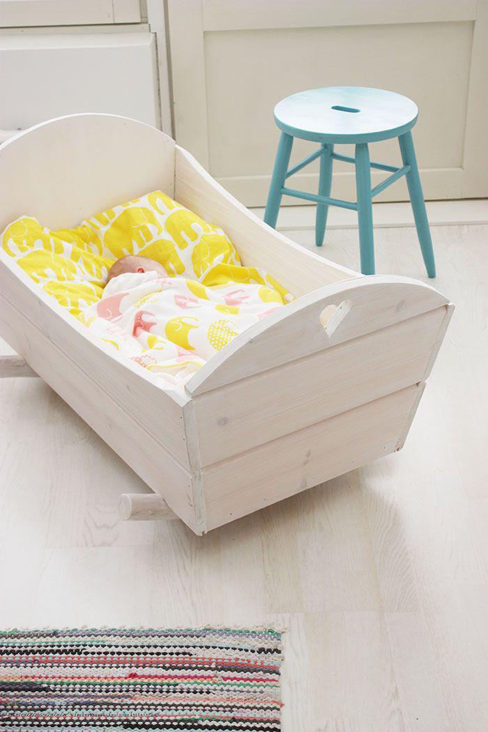 couffin-pour-bébé-berceau-bébé-blanc