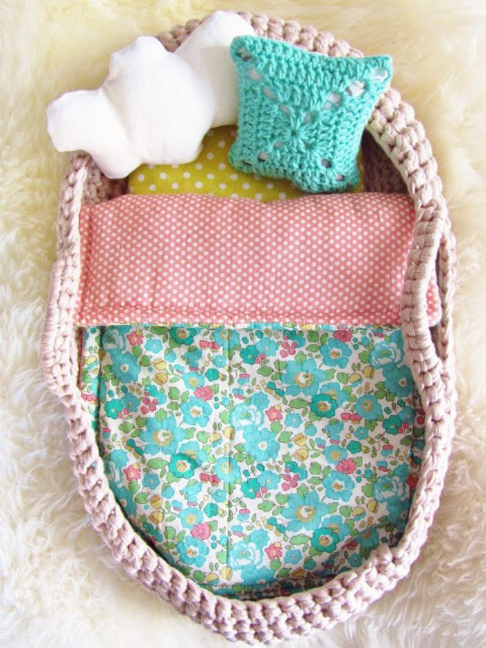 couffin-pour-bébé-panier-bébé-tricoté