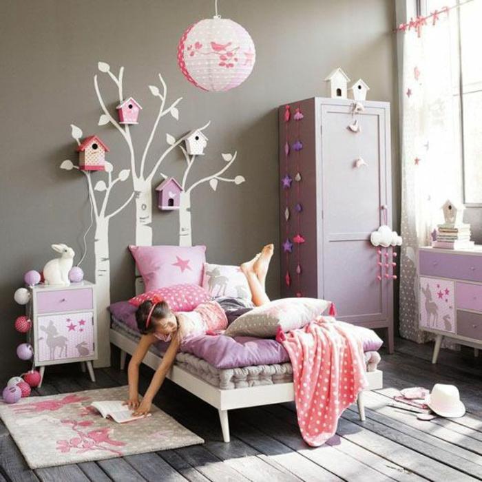 couleur-parme-violet-couleur-idées-déco-salon-votre-chambre-d-enfant