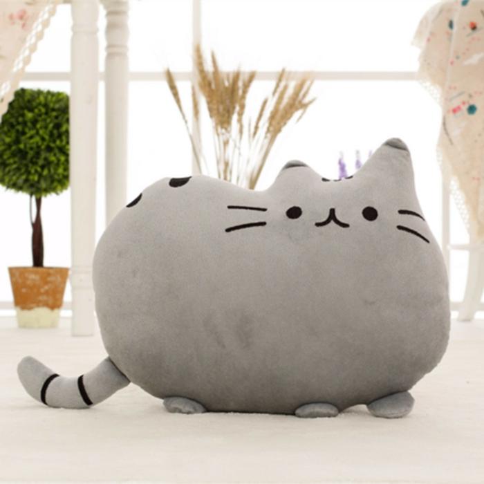coussinet-chat-pour-le-lit-dans-la-chambre-enfant-taie-oreiller-enfant