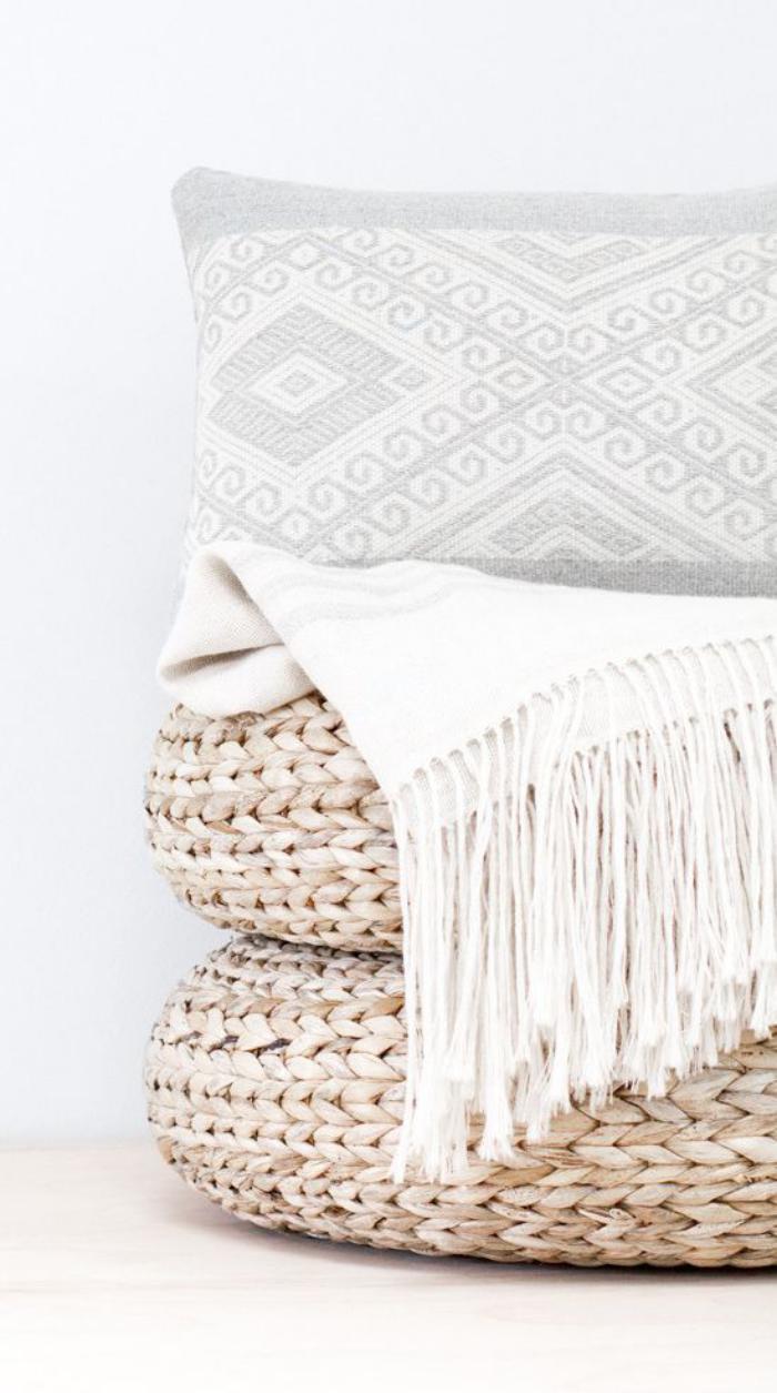 coussins-de-sol-décoration-de-couleurs-neutres