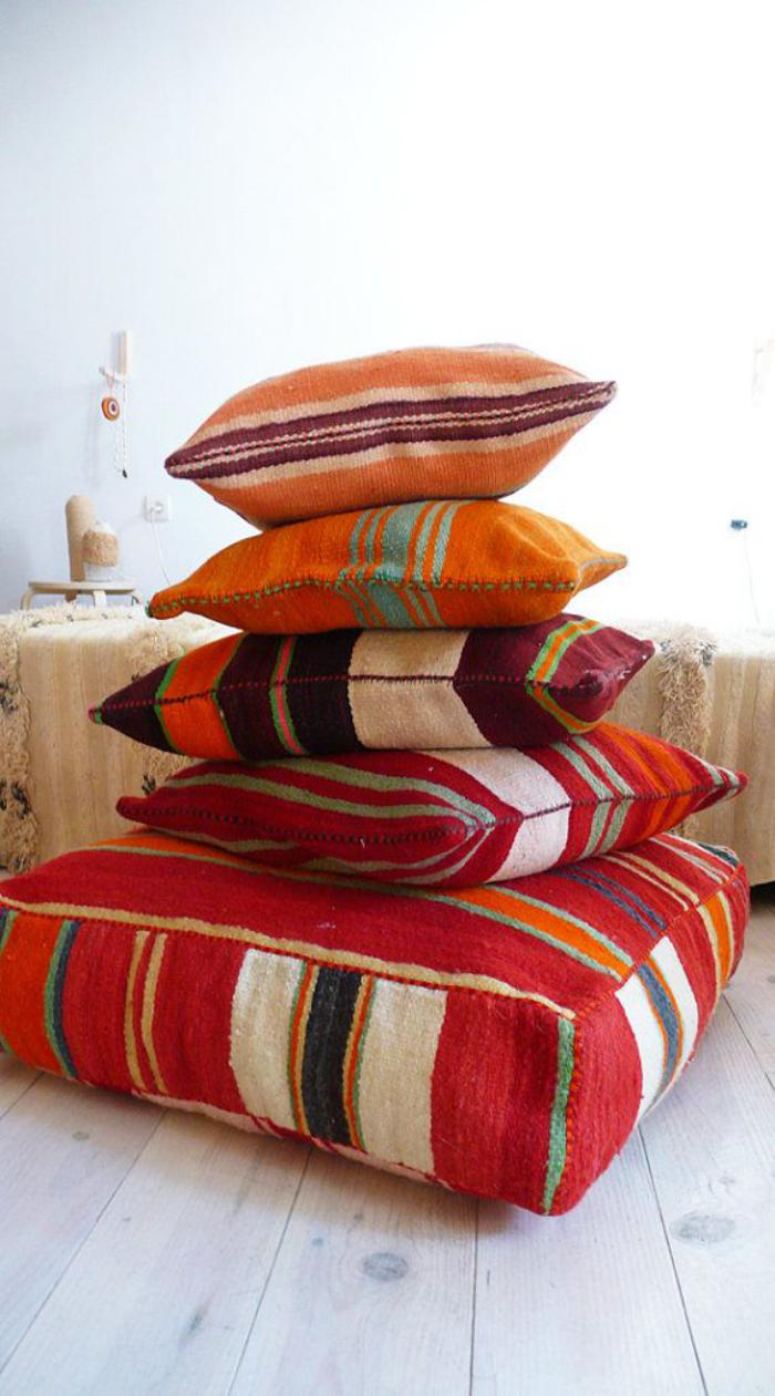 coussins-de-sol-design-kilim-oriental-teintes-vives
