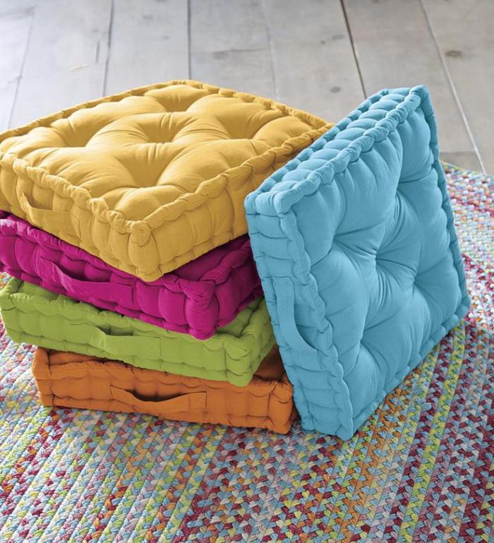 matelas coussin de sol sur matelas tensira noir ray crme lit montessori cabane coussins. Black Bedroom Furniture Sets. Home Design Ideas