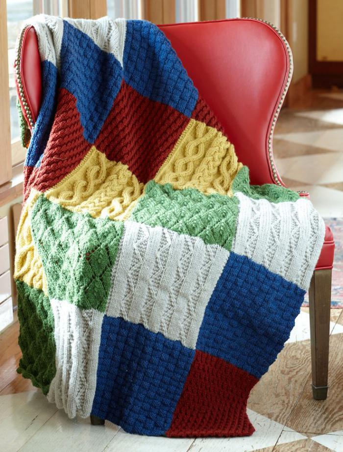 couverture-patchwork-belle-couverture-de-lit-tricotée