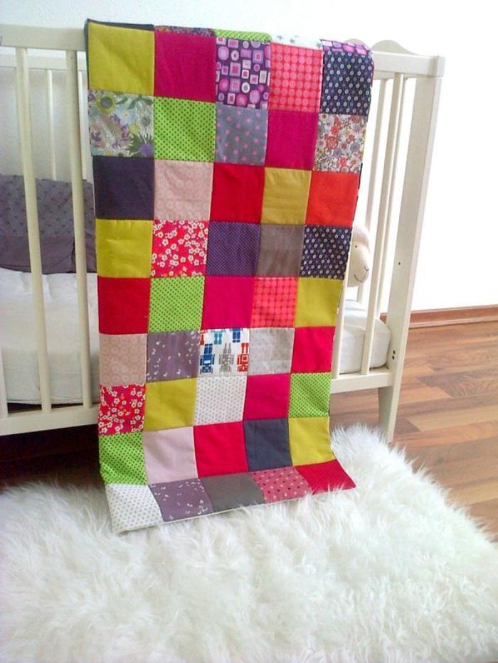 couverture-patchwork-enfant-carreaux-colorés
