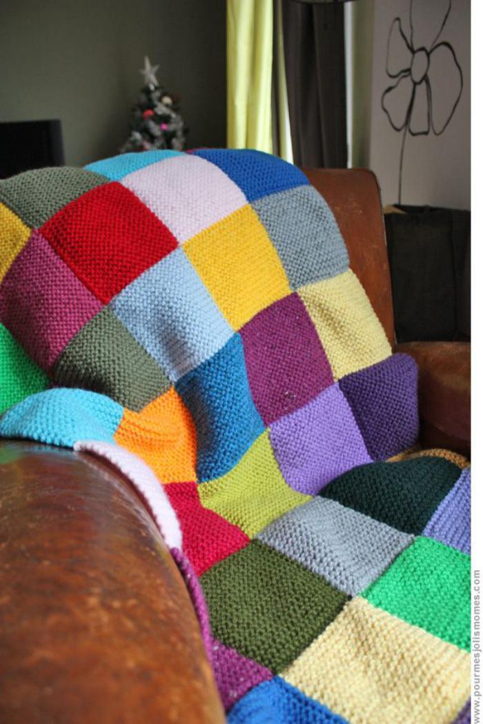 couverture-patchwork-plaid-tricot-pour-canapé