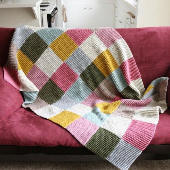 couverture-patchwork-tricotée-beau-plaid-patchwork