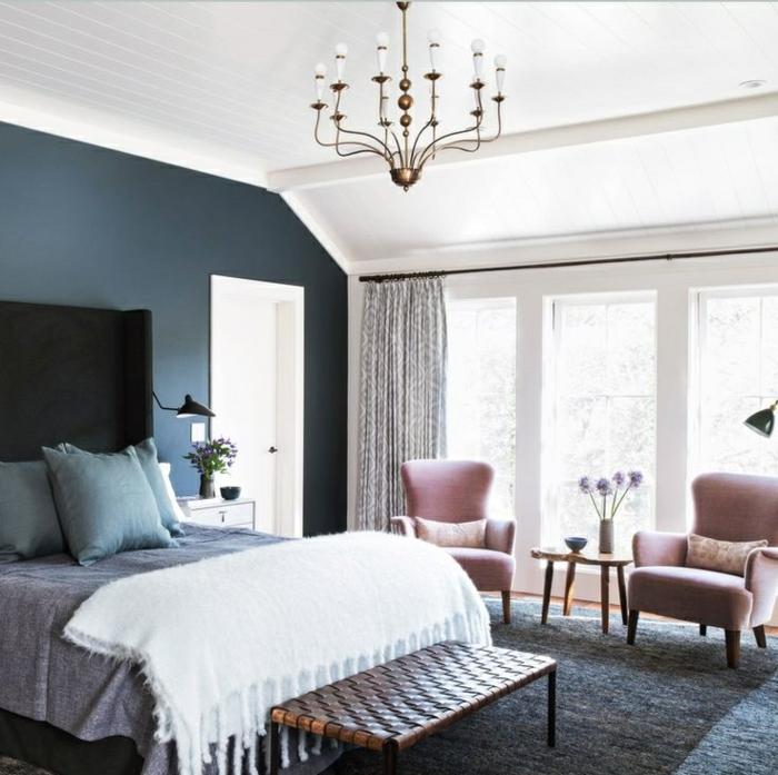 déco-salle-de-séjour-en-violet-claire-couleur-parme-belle