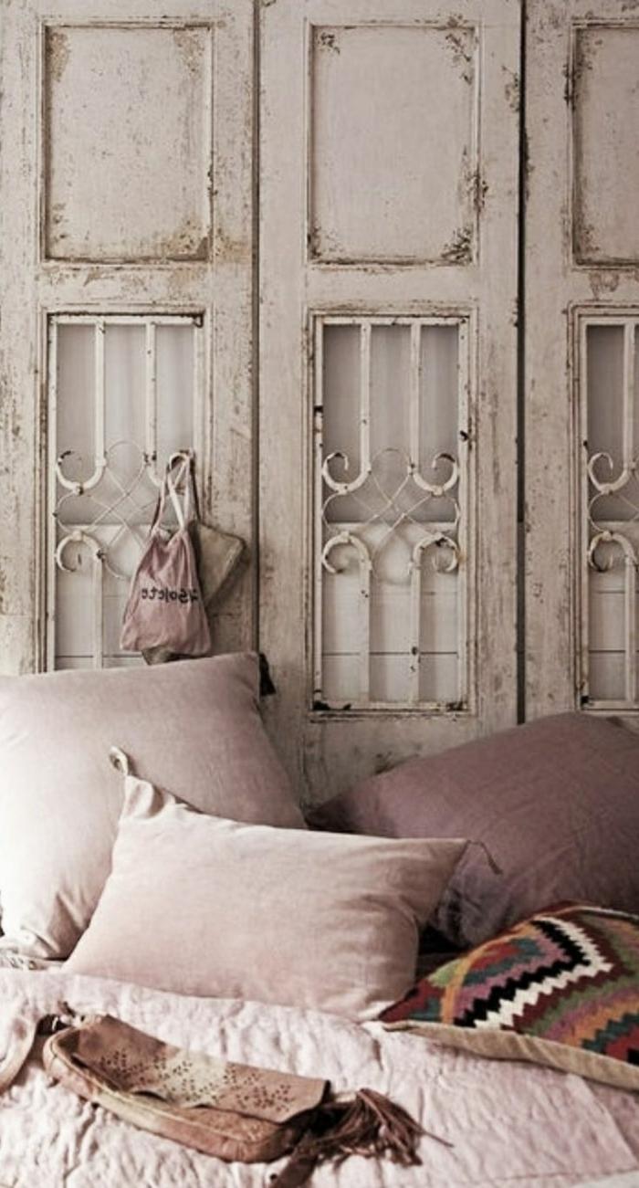 déco-salle-de-séjour-en-violet-claire-couleur-parme-idée-vintage