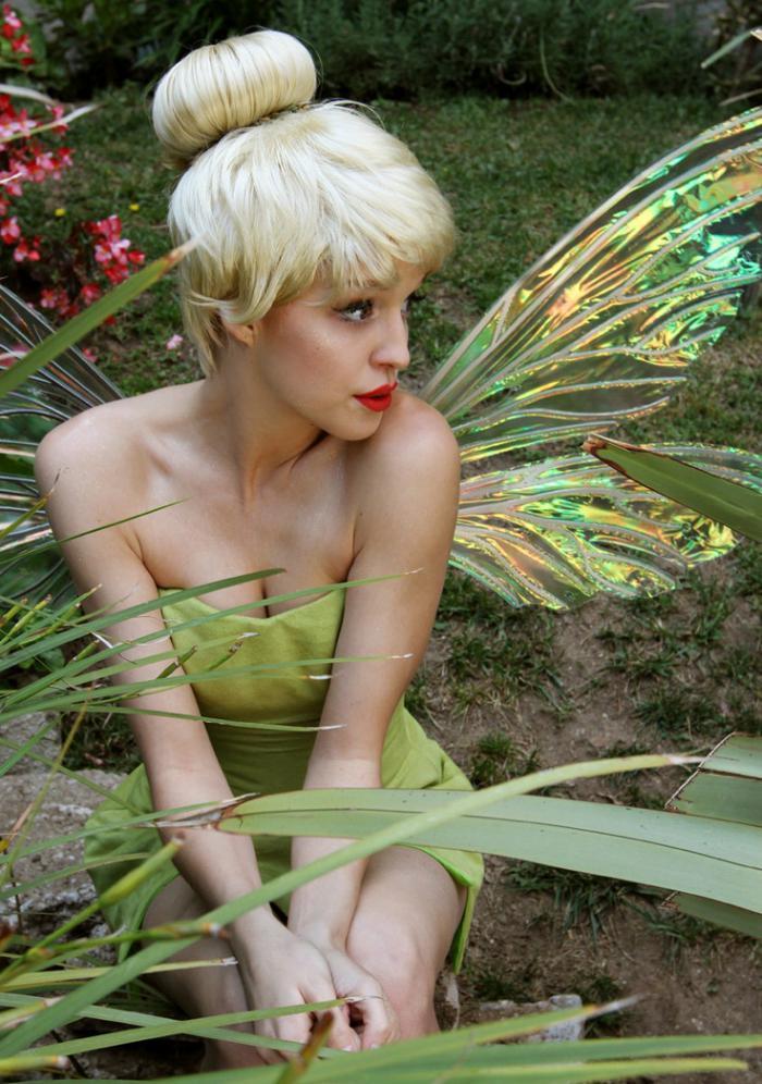 déguisement-fée-clochette-une-fée-magnifique-dans-la-forêt