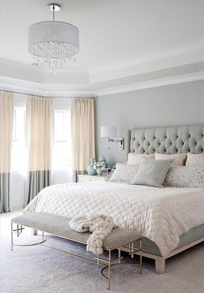 détails-colorés-dans-la-chambre-à-coucher-lustre