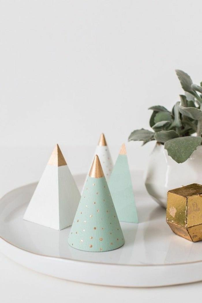 decoration-noel-déco-noël-faire-soi-même-fantastique-cone-sapin-de-noel
