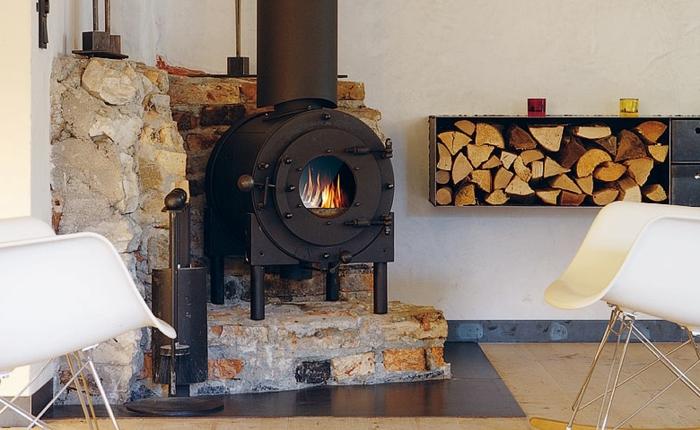 design-d-intérieur-avec-le-poêle-à-bois-moderne