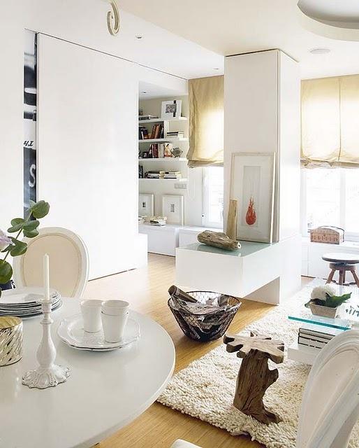 design-d-interieur-salle-de-sejour-blanche-table-basse-verre