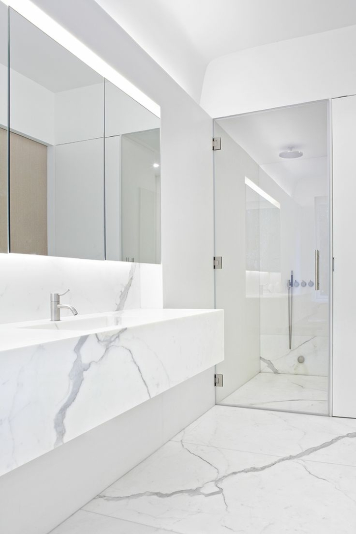 Beaucoup d 39 id es en photos pour la salle de bain en marbre - Salle de bain sol blanc ...