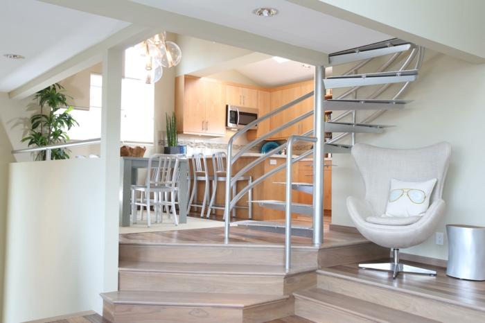 escalier-d-interieur-en-bois-clair-tournant-en-bois-clair-dans-l-interieur-moderne