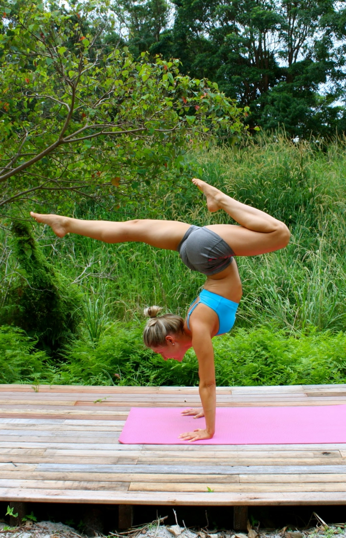 exercices-yoga-postures-de-yoga-sport-et-philosophie-faire-du-yoga