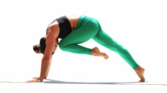 exercices-yoga-postures-de-yoga-sport-et-philosophie-le-corps-équilibré