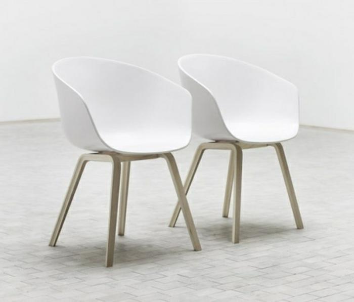 fauteuils-cabriolet-mini-fauteuil-blanc-pour-le-salon-moderne-sol-beige-avec-carrelage-gris