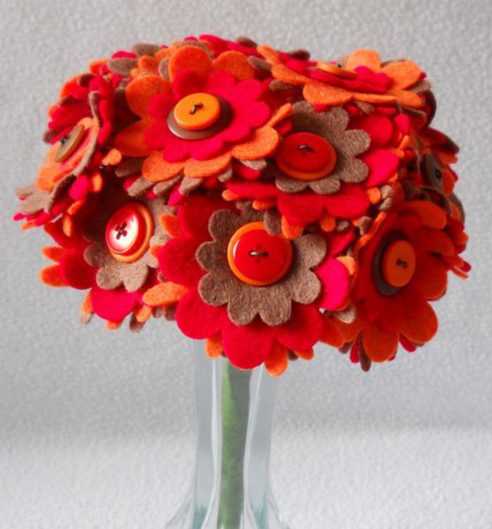 fleurs-en-feutrine-beau-bouquet-en-feutrine-rouge