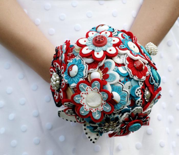 fleurs-en-feutrine-beau-bouquet-de-mariée