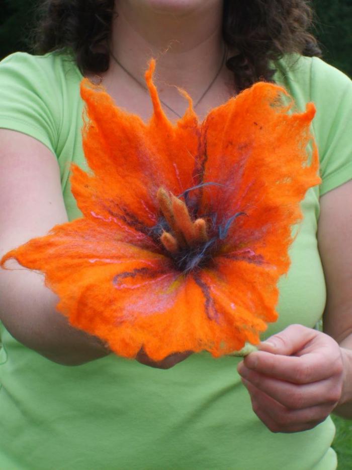 fleurs-en-feutrine-grande-fleur-orange