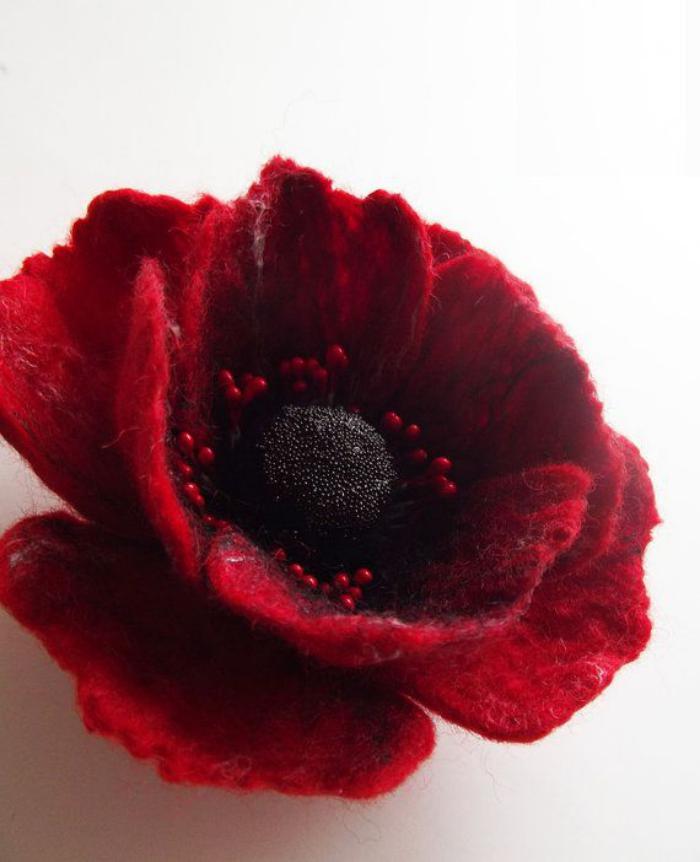 fleurs-en-feutrine-jolie-fleur-rouge