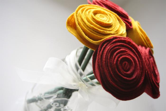 fleurs-en-feutrine-jolie-idée-déco-bouquet
