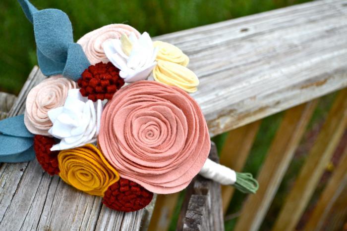 fleurs-en-feutrine-le-plus-original-bouquet-de-mariée