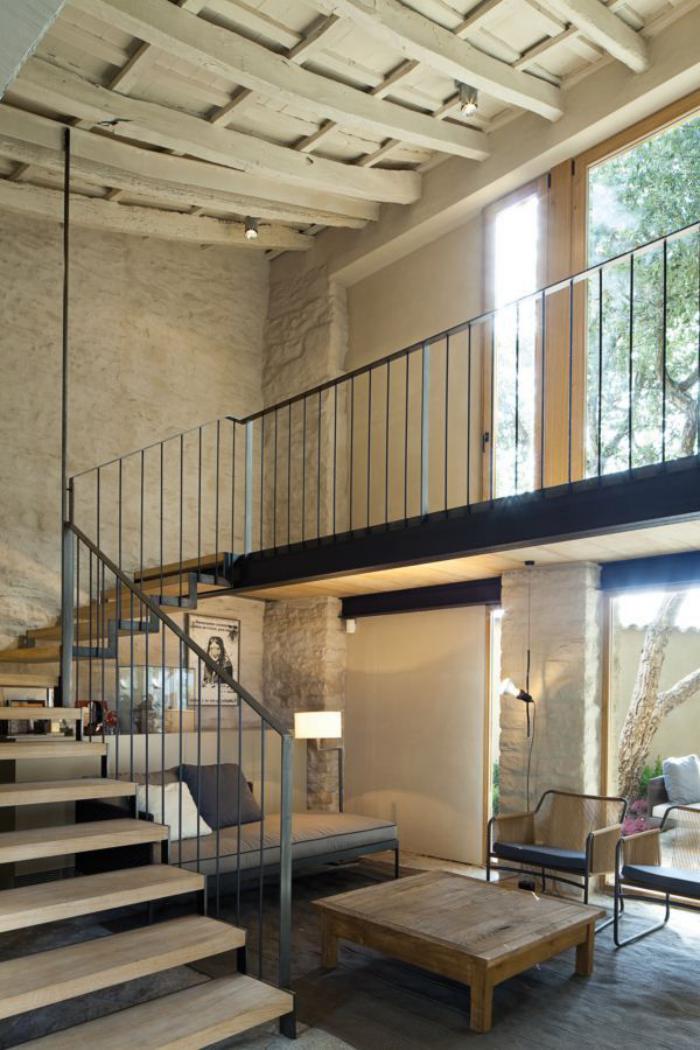 garde-corps-mezzanine-intérieur-beige-contemporain
