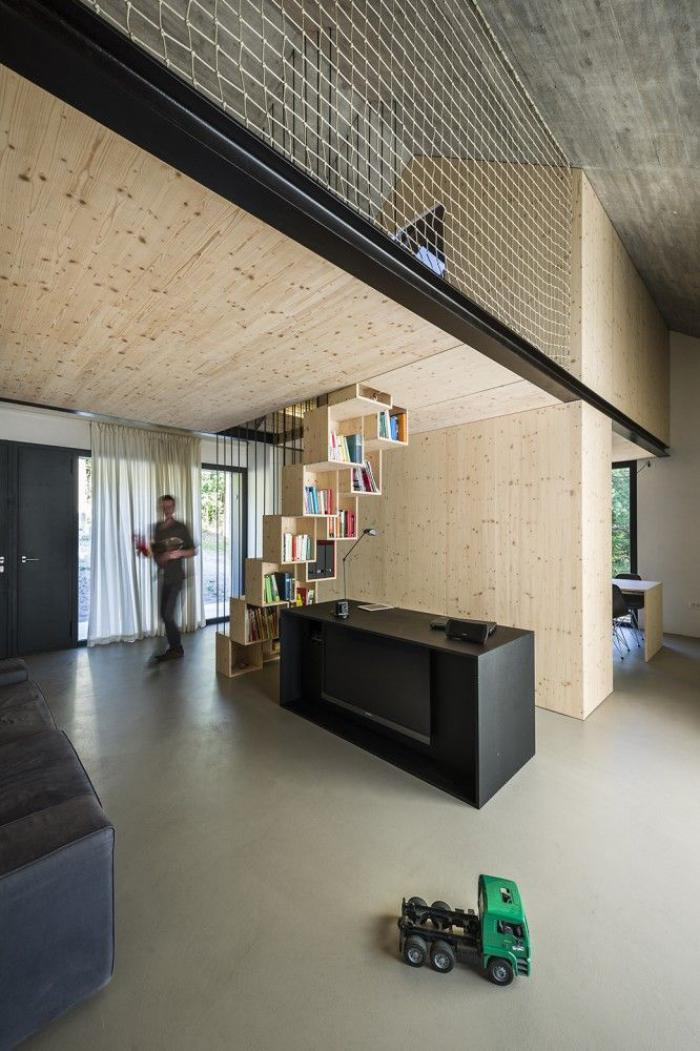 garde-corps-mezzanine-original-appartement-stylé-de-deux-niveaux