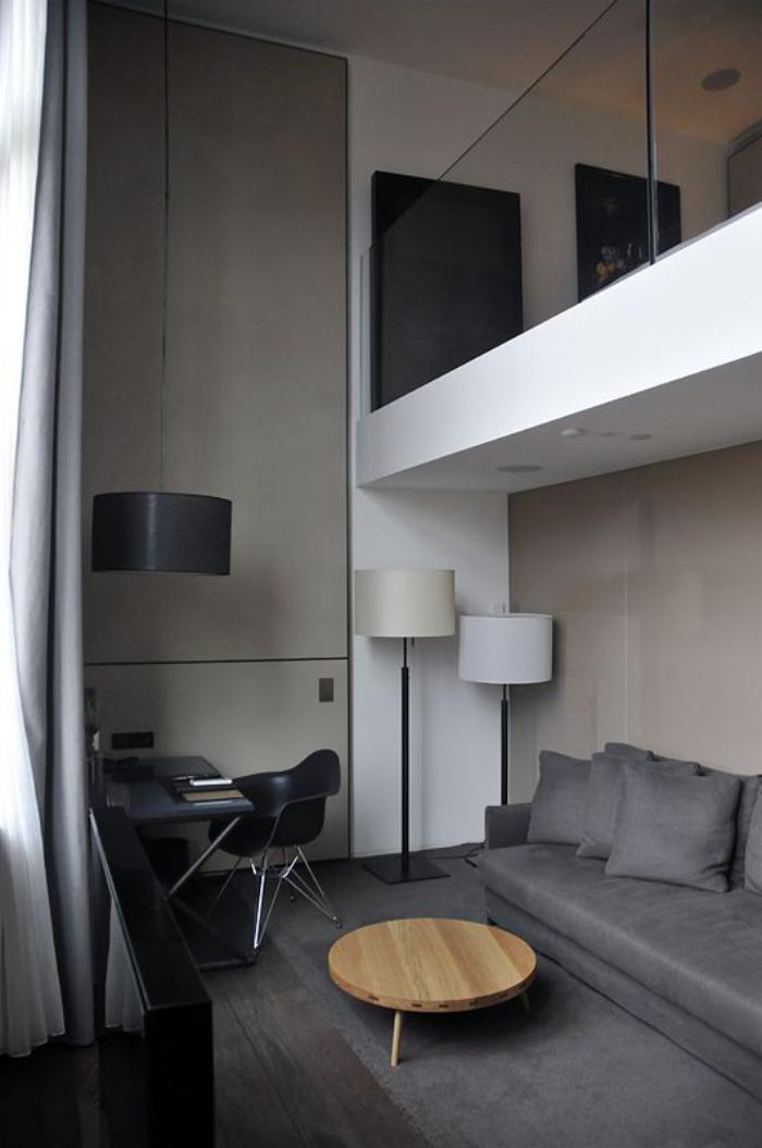 garde-corps-mezzanine-verre-balustrade-contemporaine-d'intérieur
