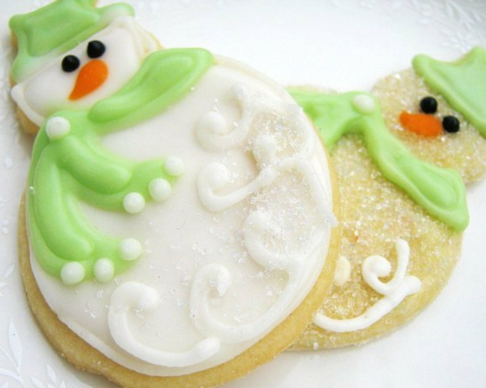 gateaux-de-noel-en-forme-de-bonhomme-de-neige-recette-de-biscuit-de-noel