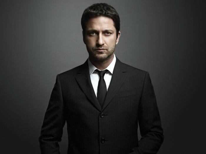 gerard-butler-cravate-coutume-noir-cool-élégant