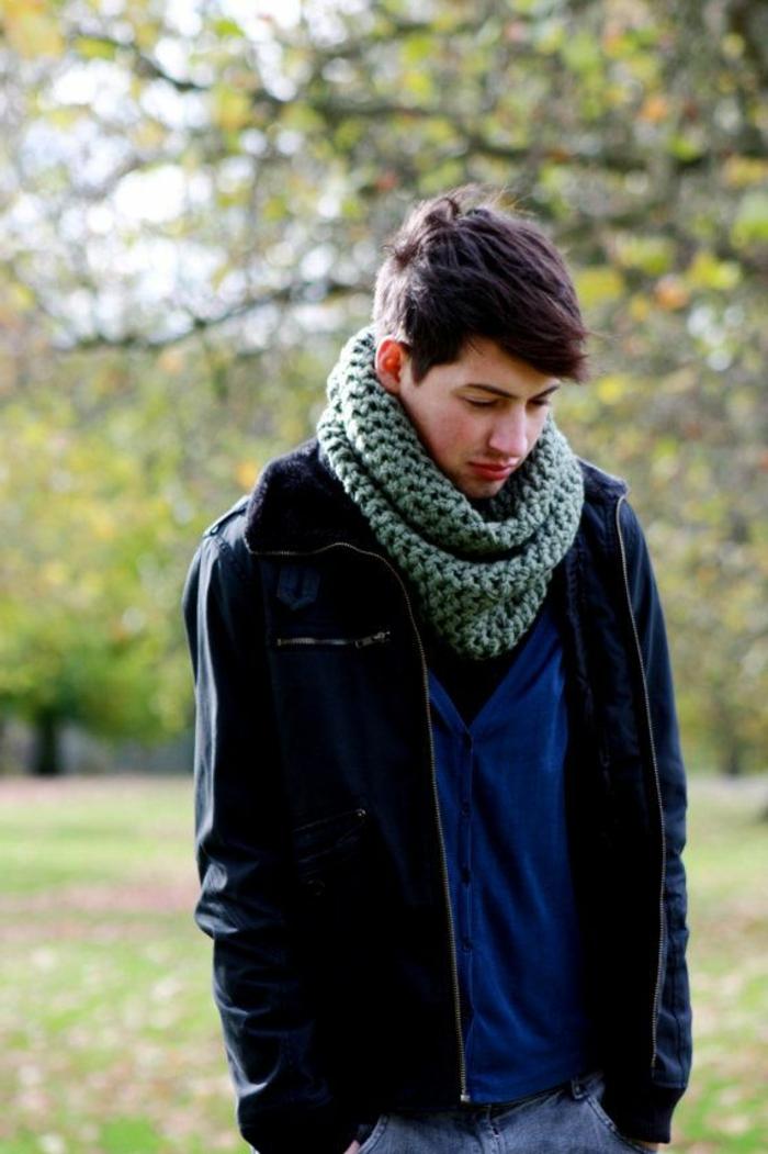 hiver-dans-la-chaleur-de-votre-écharp-stylé -arbres-vert