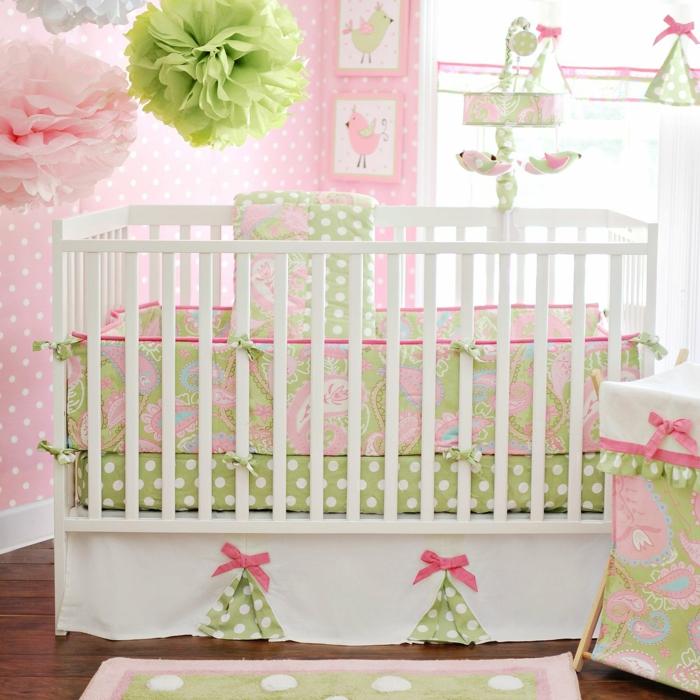 idée-chambre-bébé-fille-linge-de-lit-bébé-fille-rose-et-vert