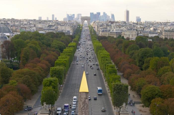 idées-où-se-balader-à-paris-belles-vues-rue-parisienne-cool-arc-de-triumphe
