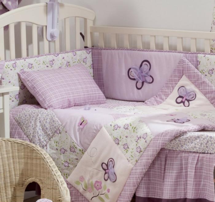 idées-pour-la-déco-en-violet-linge-de-lit-bébé-garçon-linge-de-lit-bebe