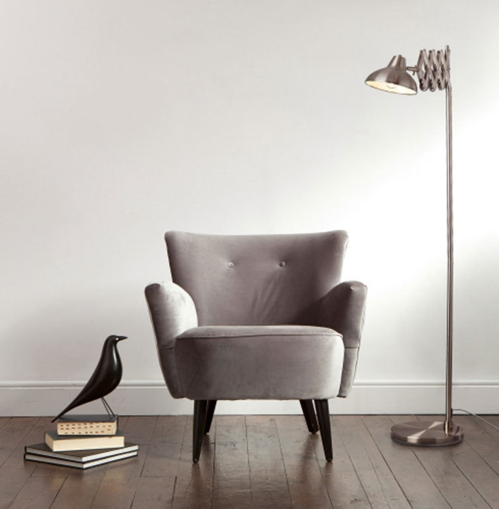 intéroeur-idée-déco-avec-le-lampadaire-de-salon-belles-idées-luminaire-design-lampe-fer