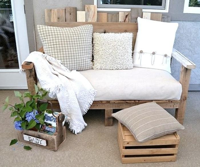 jardin-table-basse-en-palette-belle-idée-diy-faire-canapé-en-palettes