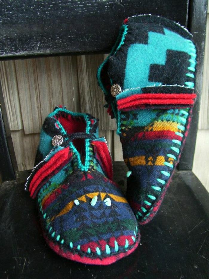 joli-charentaise-homme-de-style-navaho-design-coloré-pour-etre-chic-et-moderns