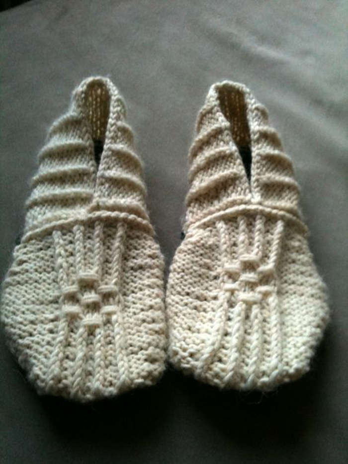 joli-chausson-isotoner-blanc-pour-les-hommes-qui-aiment-avoie-chaud-chez-eux