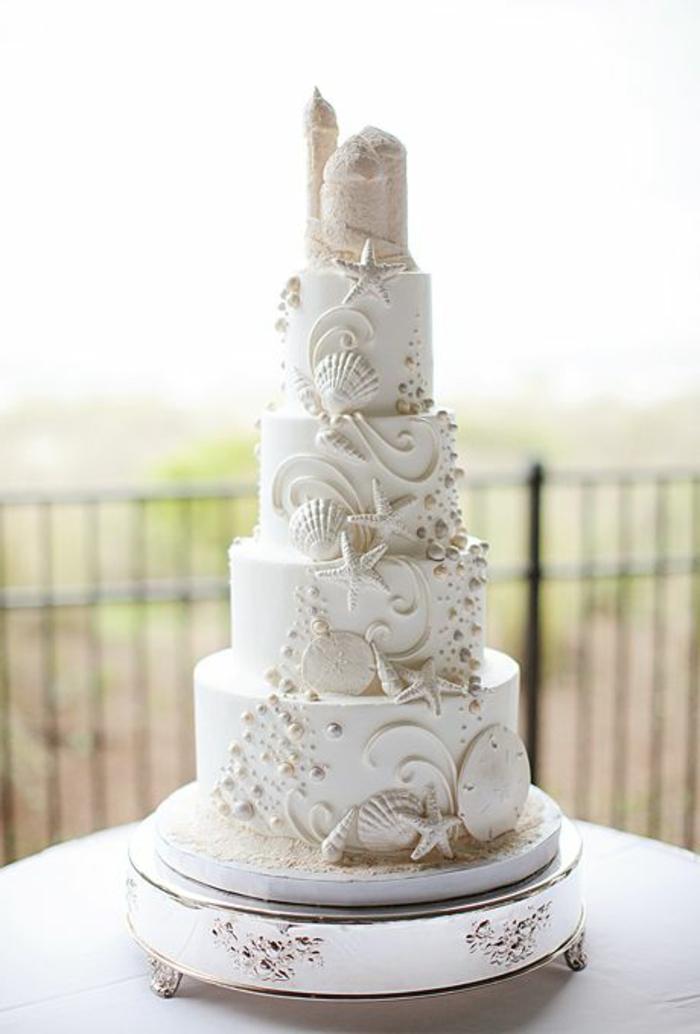 joli-gâteau-de-mariage-avec-decoration-blanche-gateau-de-mariage-original