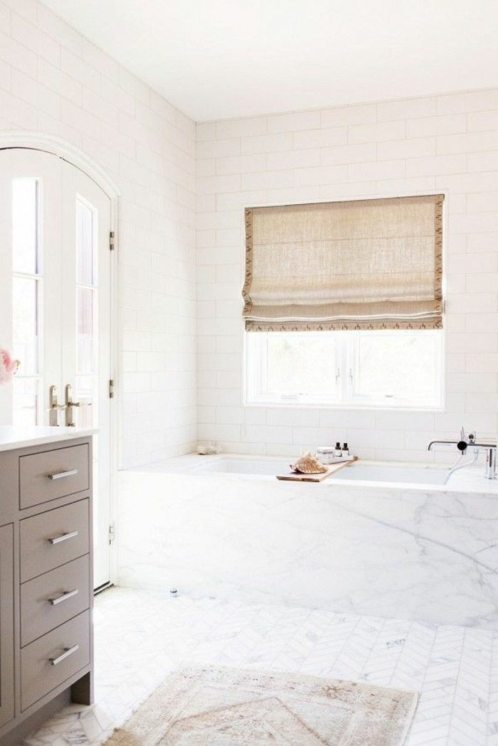 joli-interieur-pour-la-salle-de-bain-balnche-en-marbre-modeles-salles-de-bains-blancs