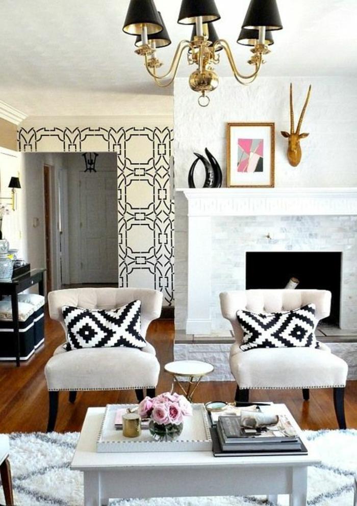 joli-salon-moderne-avec-papier-peint-noir-et-blanc-dans-le-salon-moderne-tapis-blanc-noir