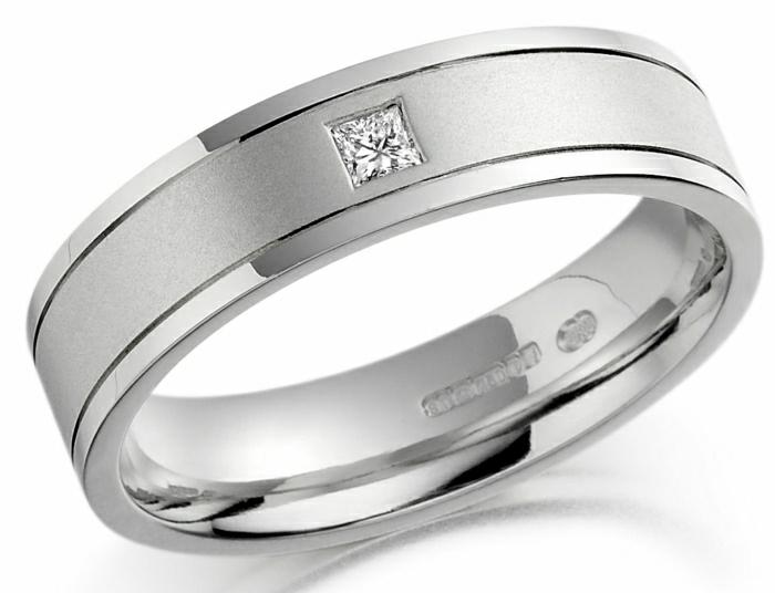 jolie-bague-de-mariage-femme-gris-avec-diamant-comment-choisir-la-bague-de-mariage-femme