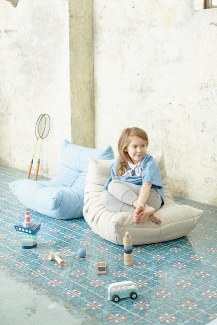42 photos inspirantes de la chauffeuse basse pour le salon - Chauffeuse pour enfant ...