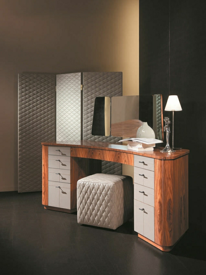 comment fabriquer une coiffeuse coiffeuse renover tiboudnez with comment fabriquer une. Black Bedroom Furniture Sets. Home Design Ideas