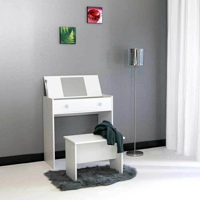 jolie-coiffeuse-en-bois-blanc-et-tapis-gris-tabouret-en-bois-de-couleur-blanc-mur-gris-et-tapis-fausse-fourrure
