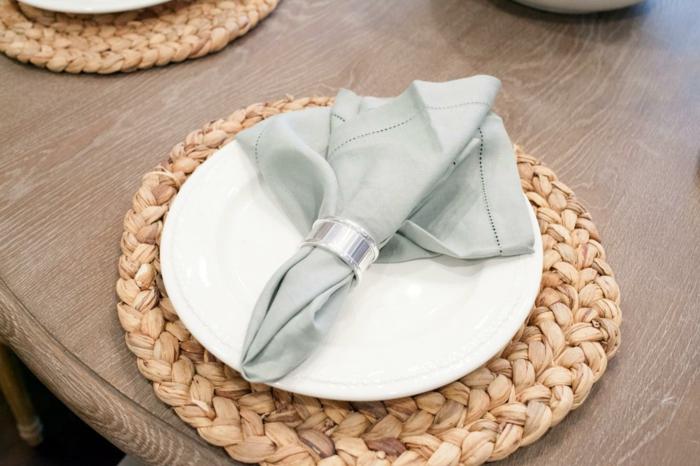 pliage de serviette en tissu facile stunning best pliage de serviette en tissu diy pliages de. Black Bedroom Furniture Sets. Home Design Ideas